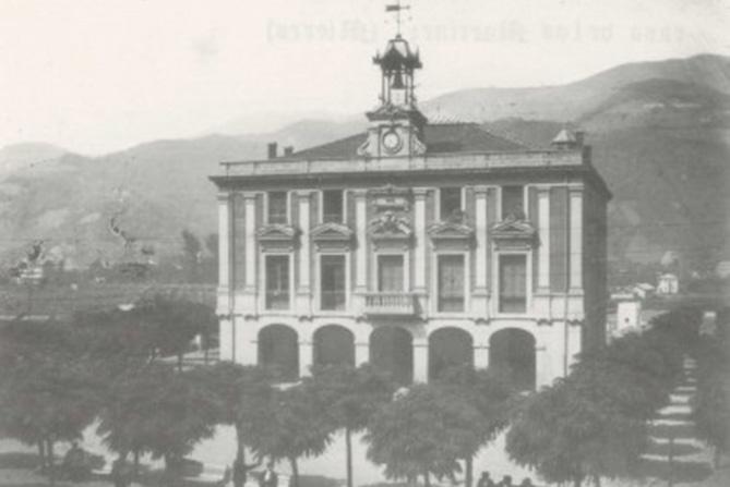 Ayuntamiento Mieres - Finales S. XIX