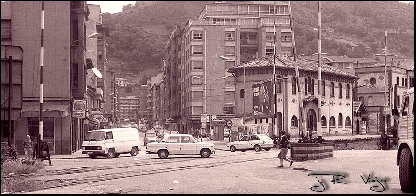 Antiguo cruce de vías de FEVE en C/ Manuel Llaneza  | José Ramón Viejo