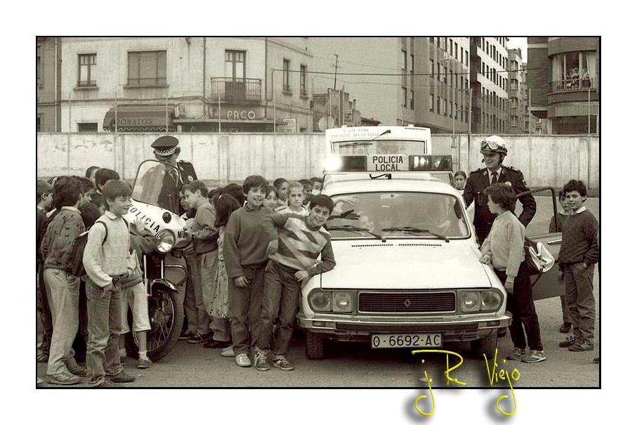 Visita de la Policía Local al colegio Aniceto Sela | José Ramón Viejo