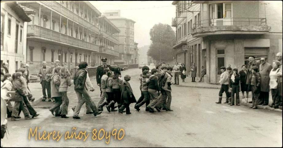 Paso de peatones en Ujo | José Ramón Viejo