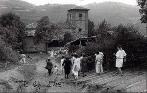 Bajada a la Ermita de Los Mártires de Valdecuna (Fot. José Ramón Viejo)