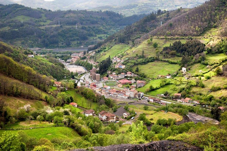 Figaredo. Entrada al Valle de Turón | José Luis Soto