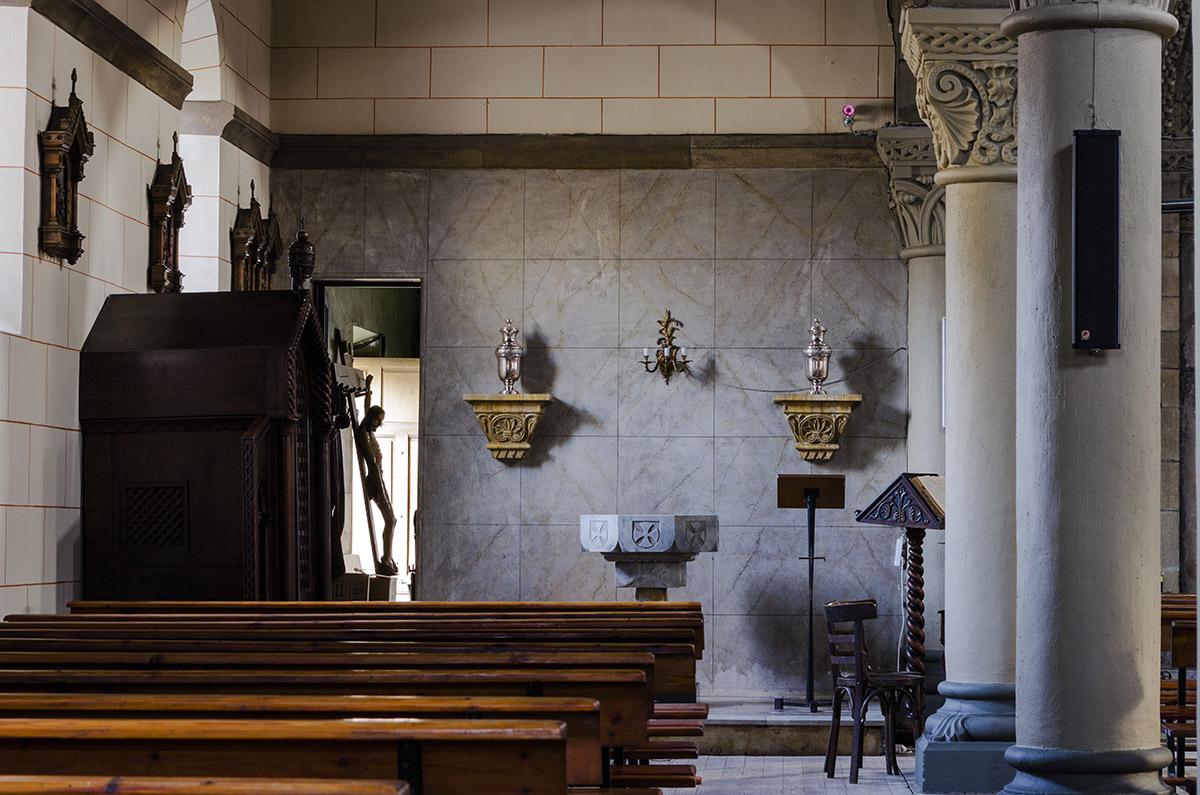 Ujo |En un rincón de la Iglesia de Ujo | Autor: Yolanda Suárez | AF Semeya