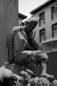 Asturiano Monumento a Teodoro Cuesta nevado (Fot. Carlos Salvo - AF Semeya)