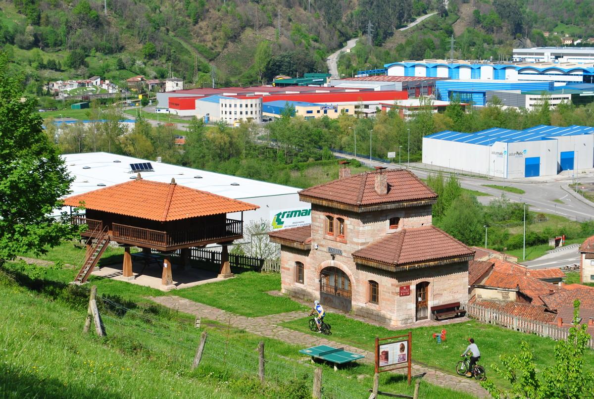 Aula del Ferrocarril y la Panera - Lloredo (Fot: Asoc. Cultural Los Averinos)