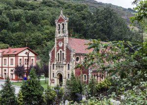 Iglesia de San Claudio de Bustiello (Fot. Verónica - AF Semeya)