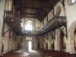 Interior Iglesia de San Claudio de Bustiello