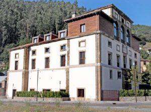 Lateral Palacio de Figaredo