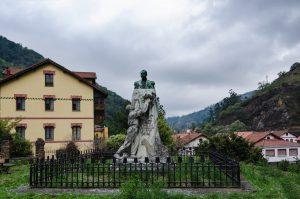 Monumento Marques de Comillas - Bustiello (Fot: Yolanda Suarez - AF Semeya)