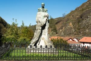 Monumento Marques de Comillas - Bustiello ( Fot: J.Vazquez - AF Semeya)