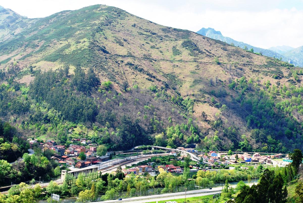Paisaje de Ablaña (Fot: Asoc. Cultural Los Averinos)