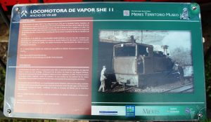 Panel informativo, locomotora de vapor  SHE 11