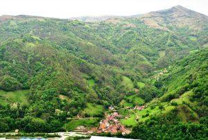 Panorámica del valle de Lloredo (Fot: Asoc. Cultural Los Averinos)