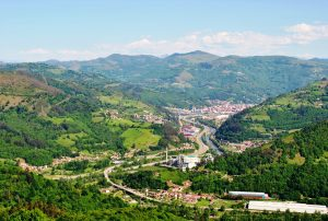 Panorámica del valle del Caudal (Fot: Asoc. Cultural Los Averinos)