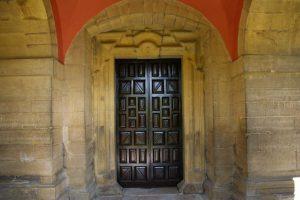 Puerta Santuario Mártires Valdecuna (Fot. Víctor M. Fernández Salinas)