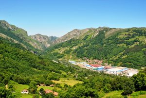 Vista a Bulloso y Baiña (Fot.: Asoc. Cultural Los Averinos).