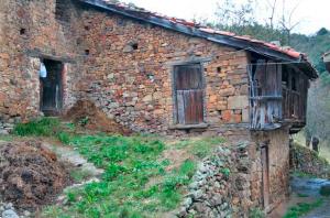 Cuadra y pajar de La Llonga - Santa Rosa