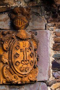 Escudo de la Casona de los Bernaldo de Quriós - Santa Cruz (Fot: Ana Belén Rodríguez - AF Semeya)