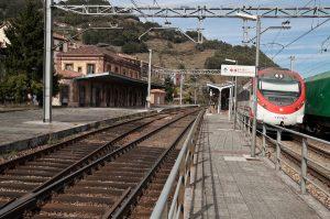 Estación Ferroviaria - Uxo (Fot: Julio Fernández Ferrero - AF Semeya)