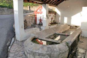 Fuente y lavadero de La Peña