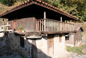 Hórreo de Enverniego - Turón