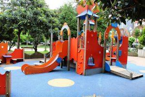 Parque Xovellanos- Castillo de la zona sur.