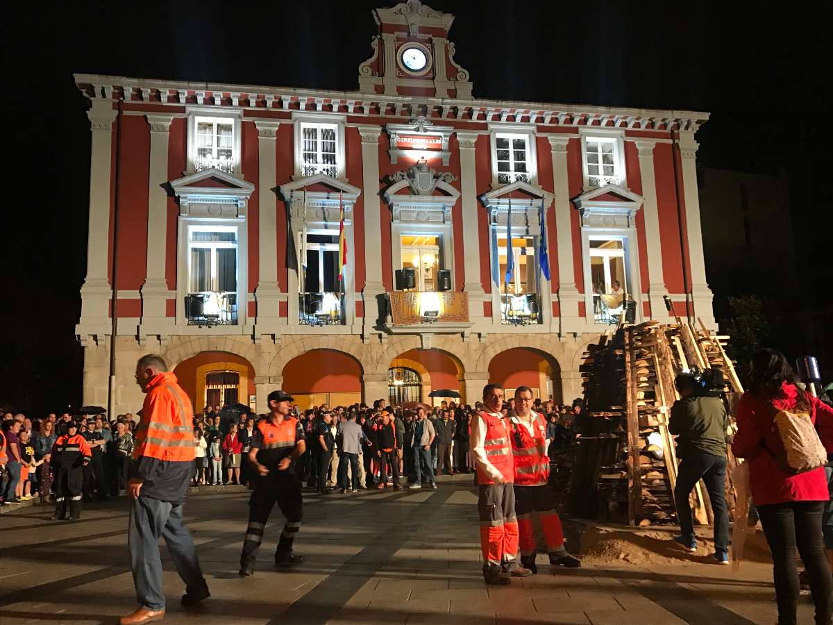 San Xuan 2017 - 23 - Foguera y Danza Prima 4