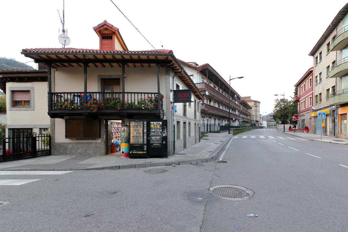 Calle en Uxo (Fot. Cheluis - AF Semeya)