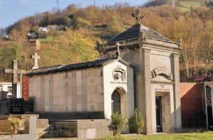 Panteón de Benjamín Fernández  I
