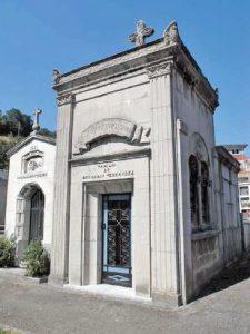 Panteón de Benjamín Fernández  II