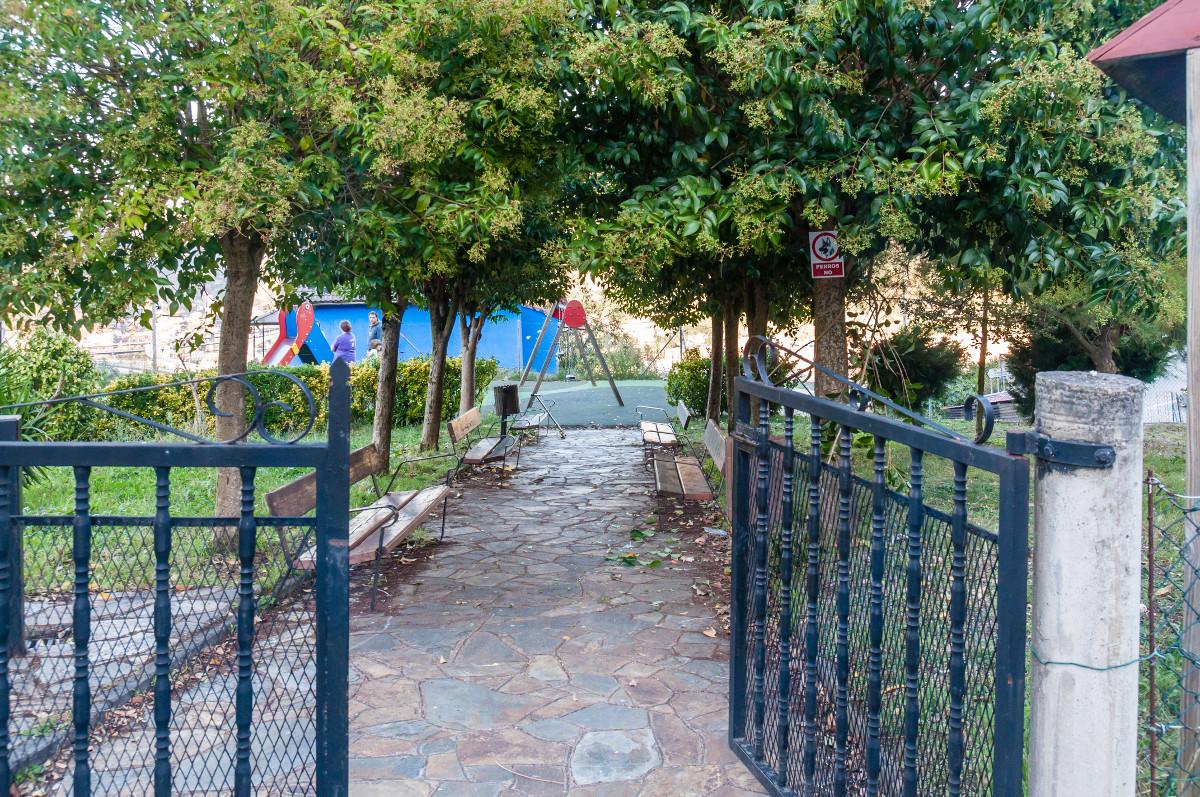 Parque infantil de Siana (Fot. Jesús Blanco - AF Semeya)