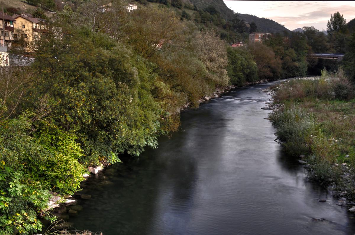 Río Aller a su paso por Santa Cruz (Fot. Yolanda Suarez - AF Semeya)