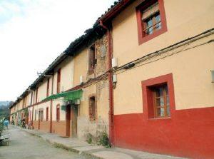 Lateral Cuarteles de obreros de Santo Tomás de la SHT