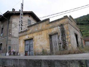 Lateral Antigua Estación del Ferrocarril del Norte