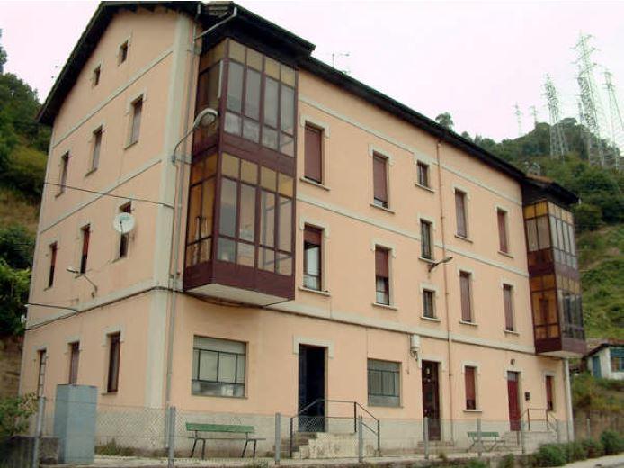 Edificio de viviendas de empleados de Electra de Viesgo II