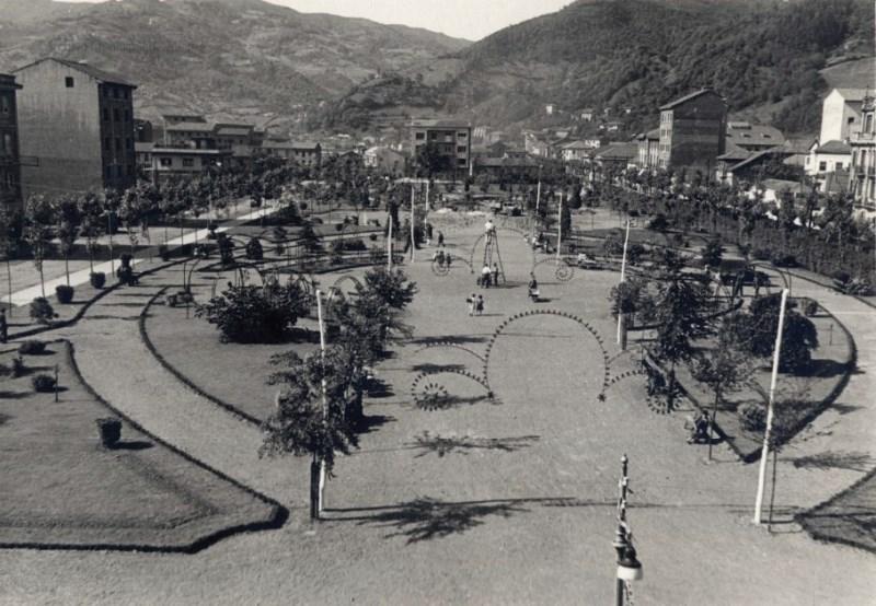 Parque Jovellanos (Foto Alonso, 1959)