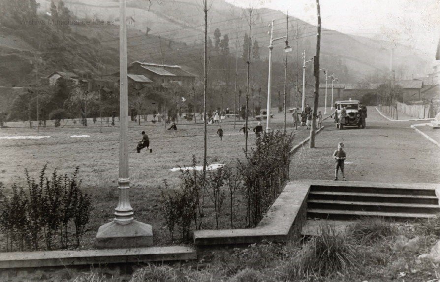 Parque de Turón -La Veguina- (Diciembre, 1952)