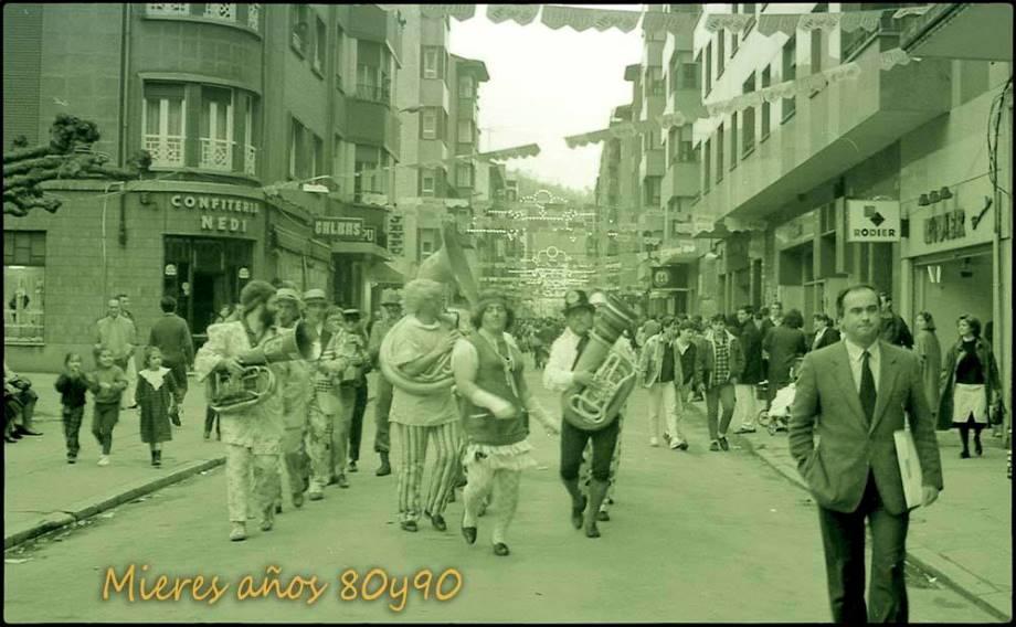 Desfile de Carnaval en la calle La Vega | José Ramón Viejo