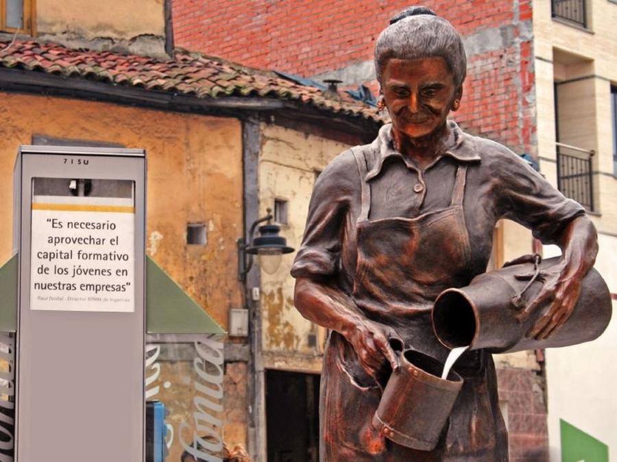 Detalle Plaza Pepa La Lechera | César Sampedro