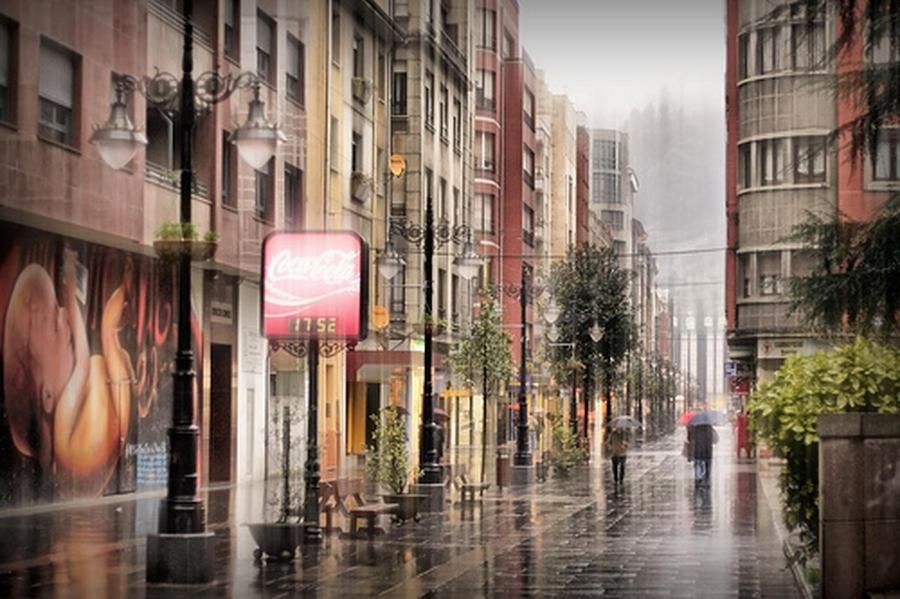 Día de lluvia. Calle La Vega | César Sampedro
