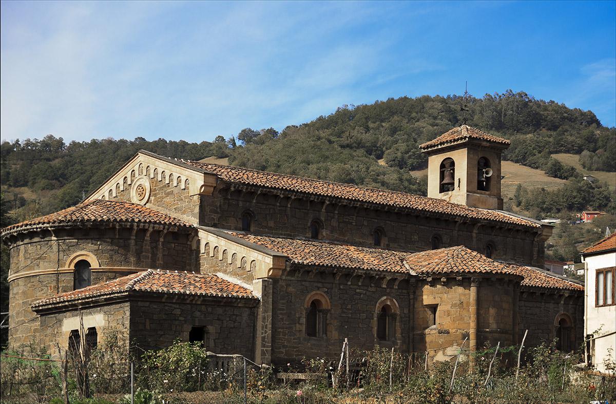 Ujo |Iglesia de Ujo | Autor: Julio Fernández Ferrero | AF Semeya