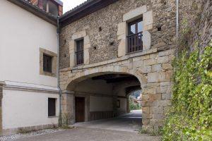 Arco Palacio de Figaredo (Fot. Juanjo - AF Semeya)