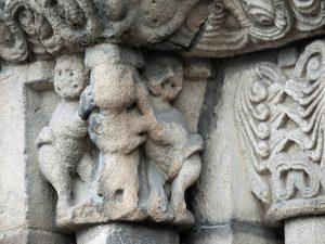Capitel Escena Figurativa Iglesia de Santa Eulalia (Fot. Carlos Salvo - AF Semeya)