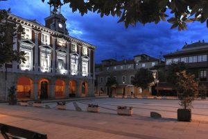 Casa Consistorial anocheciendo (Fot. José Luis - AF Semeya)