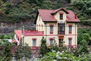 Casa de Ingeniero - Bustiello ( Fot: Vero - AF Semeya)