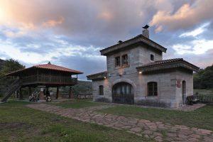 Estación de ferrocarril de Lloreo (Fot.: Cheluis - AF Semeya).