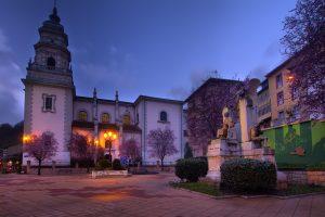 Iglesia de San Juan Bautista y Monumento a Teodoro Cuesta (Fot. Carlos Salvo - AF Semeya)