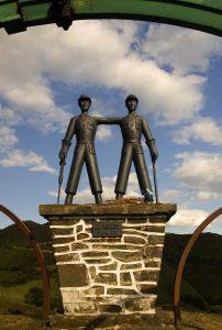 Monumento al minero en el área recreativa de La Col.ladiel.la (Fot.: José Luis Soto).