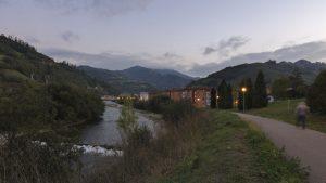 Paseo fluvial en Uxo (Fot.: Yolanda Suarez - AF Semeya)