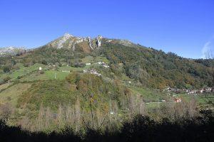 Vista del Picu Frae desde la Senda de Sierra de Llagos  (Fot.: Cheluis - AF Semeya).